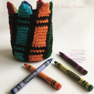 Colorful crayon holder - Side view