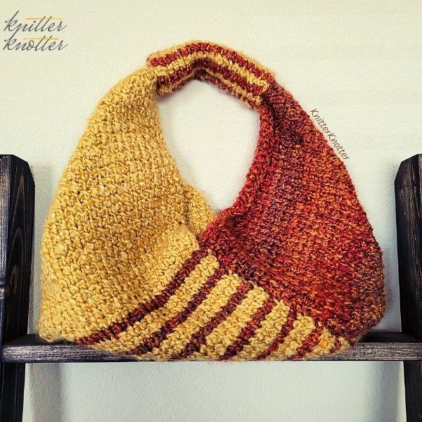 Tunisian crochet 10 stitch origami tote handbag - free pattern on knitterknotter.com
